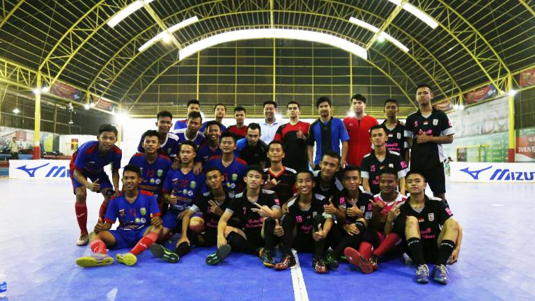 Mizuno Holds Futsal Coaching Clinic to Contribute to the Development of the sport in Palembang